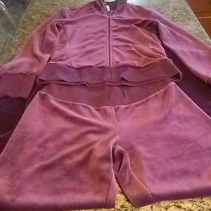 Della running suit